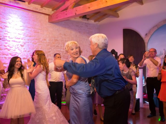 Le mariage de David et Isabel à Marans, Charente Maritime 263