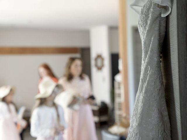 Le mariage de Mickaël et Laëtitia à Favars, Corrèze 13