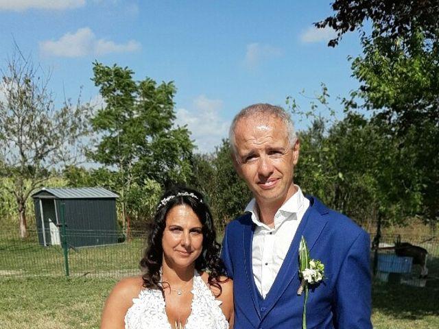 Le mariage de Sébastien et Armelle à Marans, Charente Maritime 5