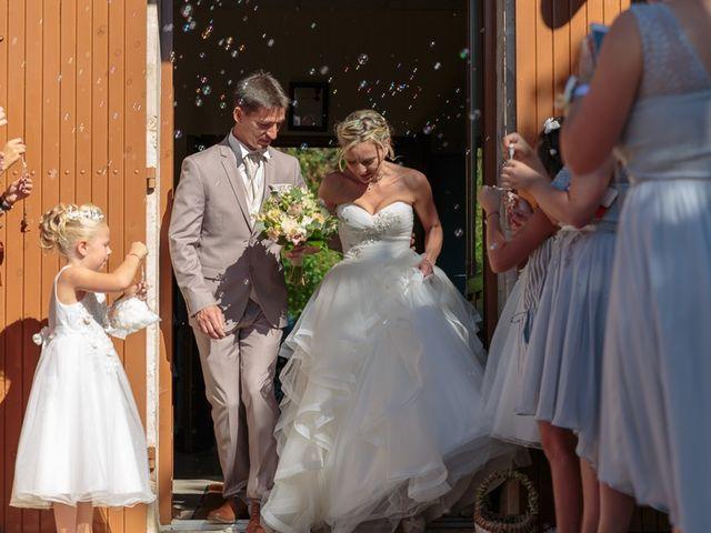 Le mariage de Alexandre et Leititia à Brantôme, Dordogne 16