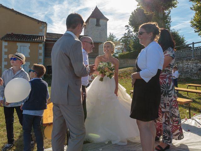 Le mariage de Alexandre et Leititia à Brantôme, Dordogne 23