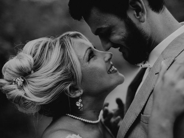 Le mariage de Alexis et Charlotte à Mouthiers-sur-Boëme, Charente 25