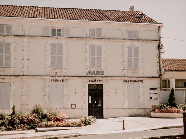 Le mariage de Alexis et Charlotte à Mouthiers-sur-Boëme, Charente 48