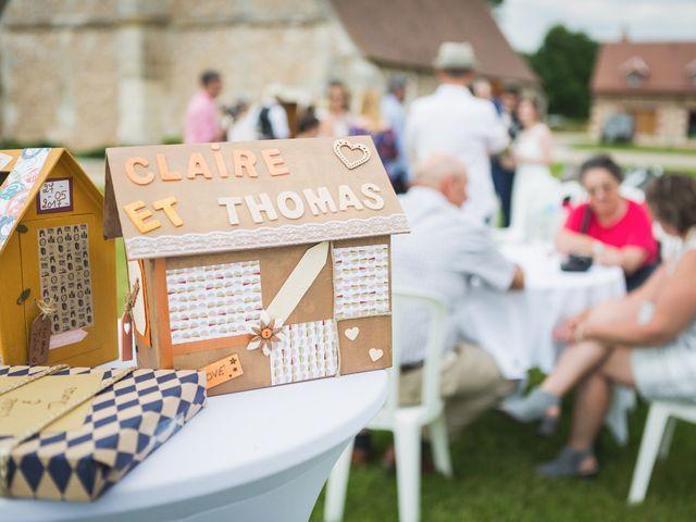 Le mariage de Thomas et Claire à Sainte Colombe la Commanderie, Eure 5