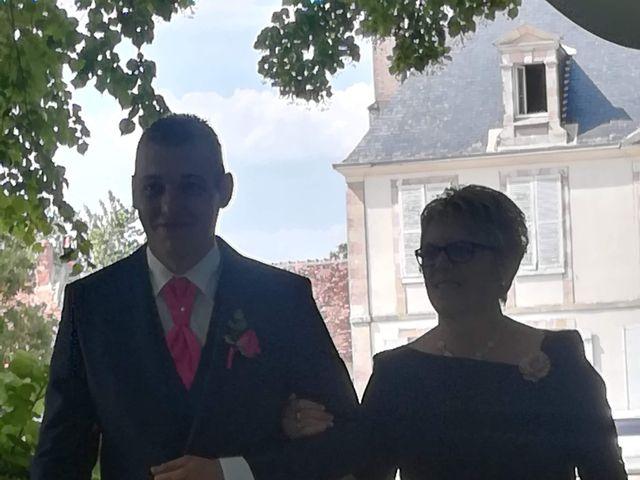Le mariage de Virgile et Elodie à Saint-Doulchard, Cher 66