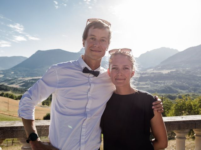 Le mariage de Domitille et Paul à Roissard, Isère 11