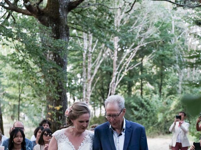 Le mariage de Felipe et Emmanuelle à Bourges, Cher 39