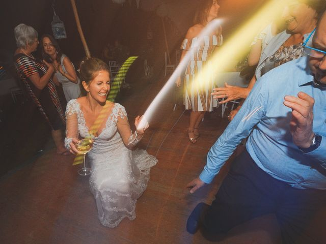 Le mariage de John et Becca à Saint-Quentin-la-Tour, Ariège 24