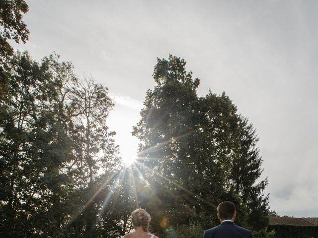 Le mariage de Romain et Cynthia à Maubec, Isère 3
