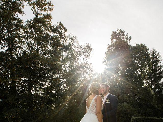 Le mariage de Romain et Cynthia à Maubec, Isère 4