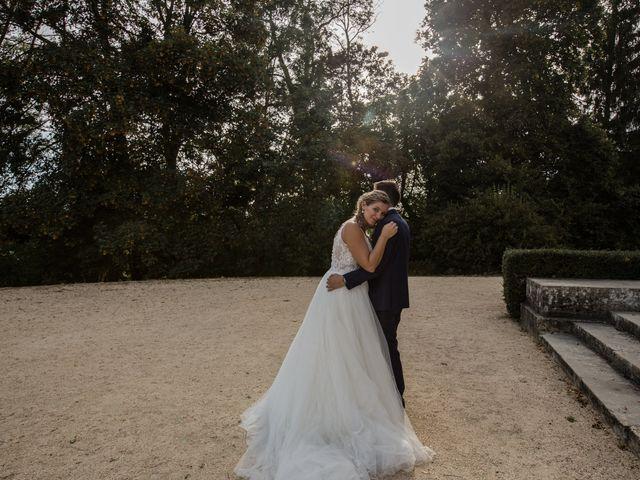 Le mariage de Romain et Cynthia à Maubec, Isère 5