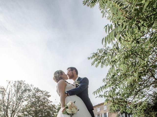 Le mariage de Romain et Cynthia à Maubec, Isère 6