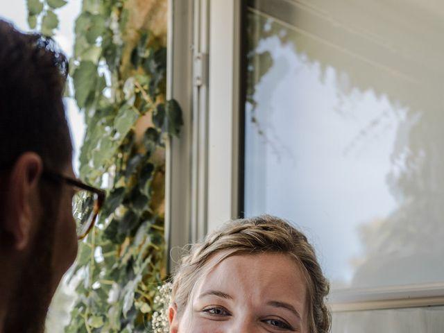 Le mariage de Romain et Cynthia à Maubec, Isère 11