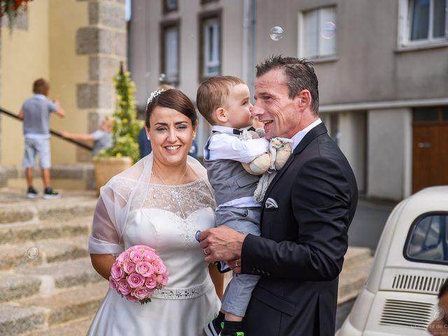 Le mariage de Anne-Marie et Olivier à Saint-Malo-du-Bois, Vendée 6