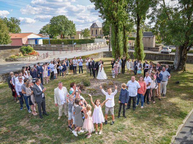 Le mariage de Anne-Marie et Olivier à Saint-Malo-du-Bois, Vendée 27