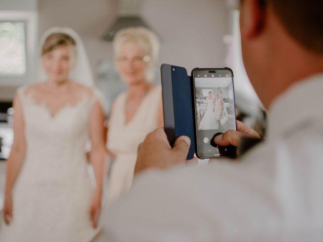 Le mariage de Florian et Solène à Athis de l'Orne, Orne 10