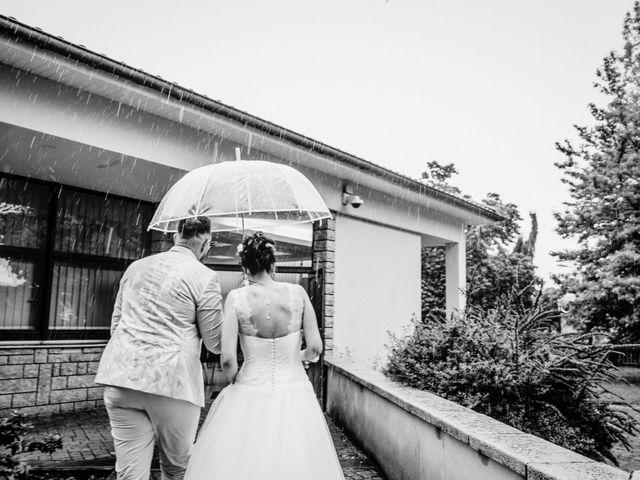 Le mariage de Yoann et Catherine à Chambles, Loire 45