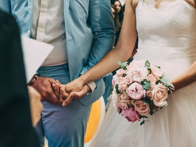 Le mariage de Yoann et Catherine à Chambles, Loire 55