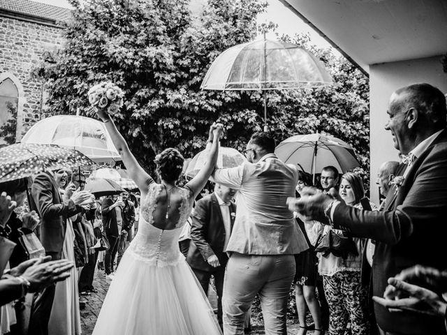 Le mariage de Yoann et Catherine à Chambles, Loire 58