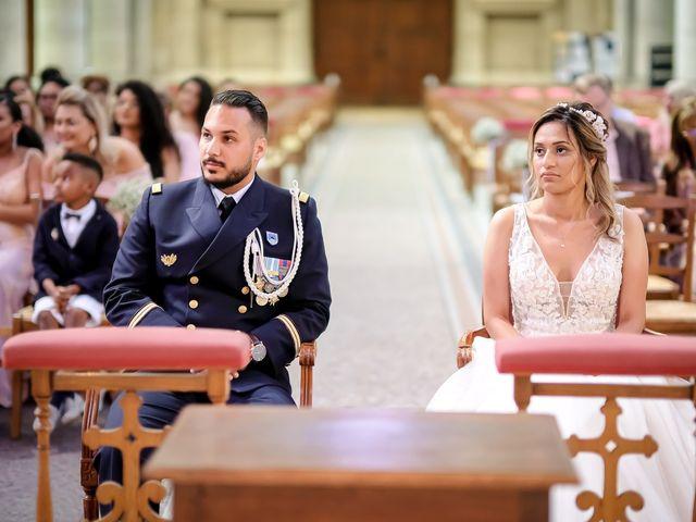 Le mariage de Chaïb et Raylane à Orléans, Loiret 11