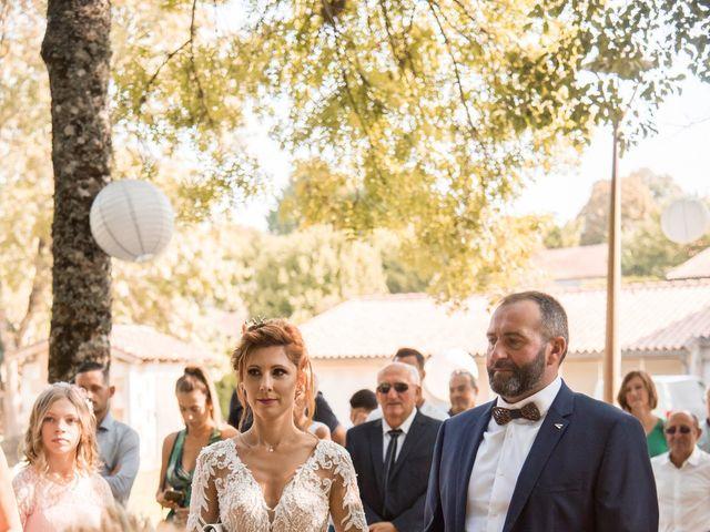 Le mariage de Nicolas et Elodie à Chalais, Charente 18