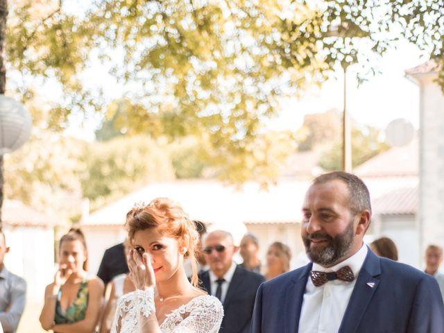 Le mariage de Nicolas et Elodie à Chalais, Charente 19