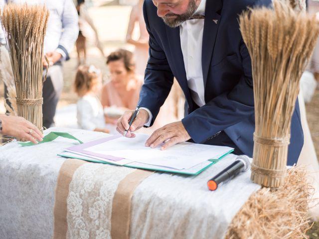 Le mariage de Nicolas et Elodie à Chalais, Charente 2