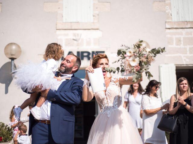Le mariage de Nicolas et Elodie à Chalais, Charente 22