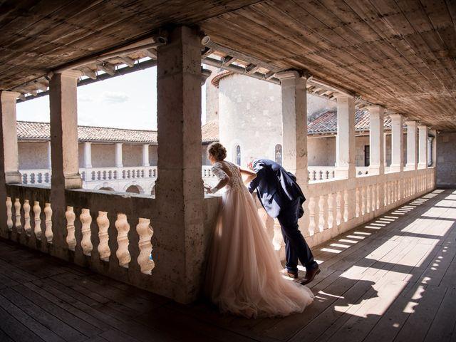 Le mariage de Nicolas et Elodie à Chalais, Charente 41