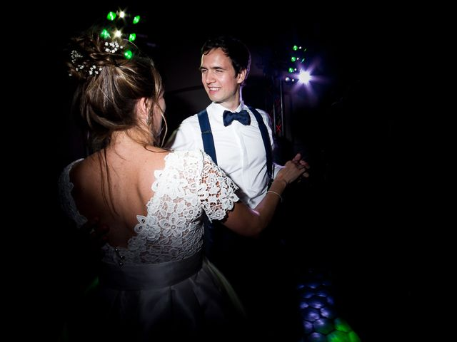 Le mariage de Emma et Cyril à Pierreclos, Saône et Loire 25