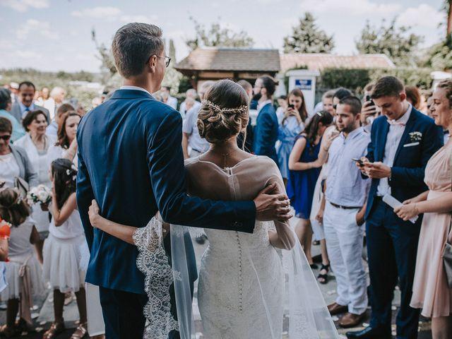Le mariage de Clément et Laura à La Bouille, Seine-Maritime 92