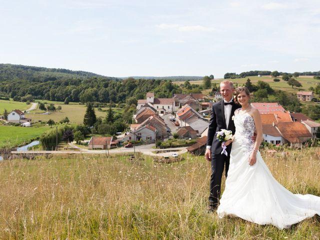 Le mariage de Luc-Marie et Marie à Circourt, Vosges 9