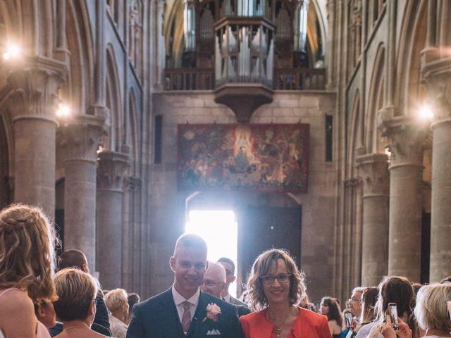 Le mariage de Elie et Marine à Dijon, Côte d'Or 33