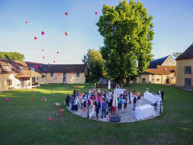 Le mariage de Julien et Juanita à Vaugrigneuse, Essonne 11