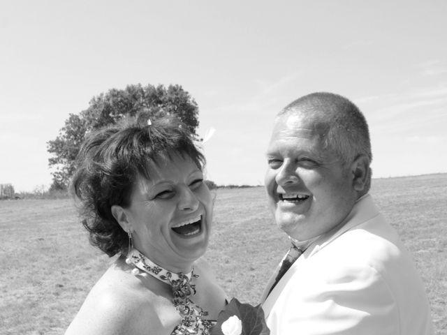 Le mariage de Jean-Claude et Mélanie à Belvezet, Lozère 11