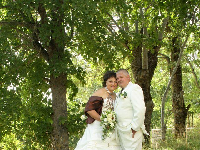 Le mariage de Jean-Claude et Mélanie à Belvezet, Lozère 16