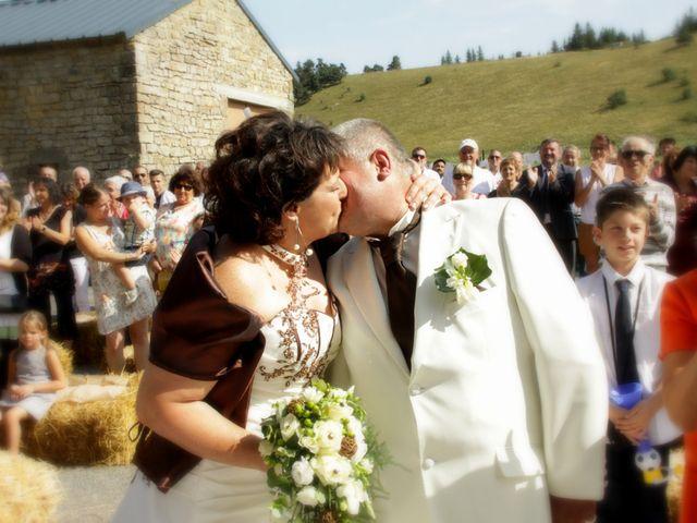 Le mariage de Jean-Claude et Mélanie à Belvezet, Lozère 23