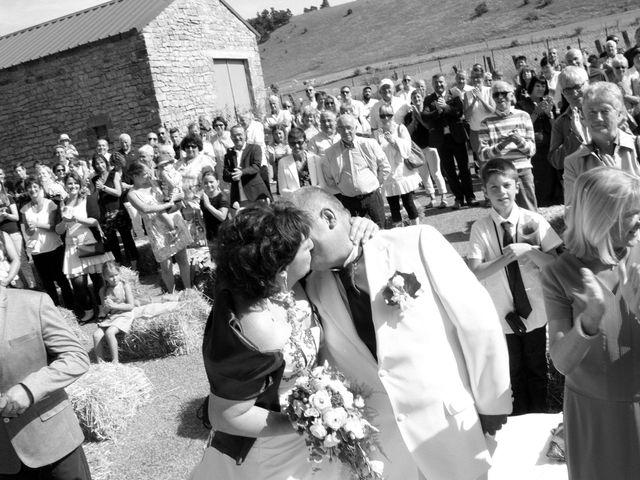 Le mariage de Jean-Claude et Mélanie à Belvezet, Lozère 24