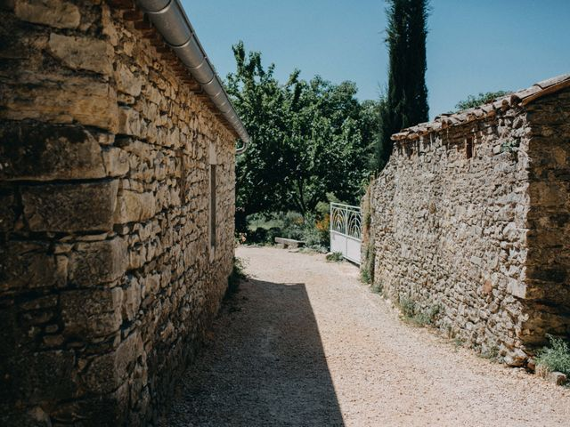 Le mariage de Joan et Cynthia à Rousson, Gard 2