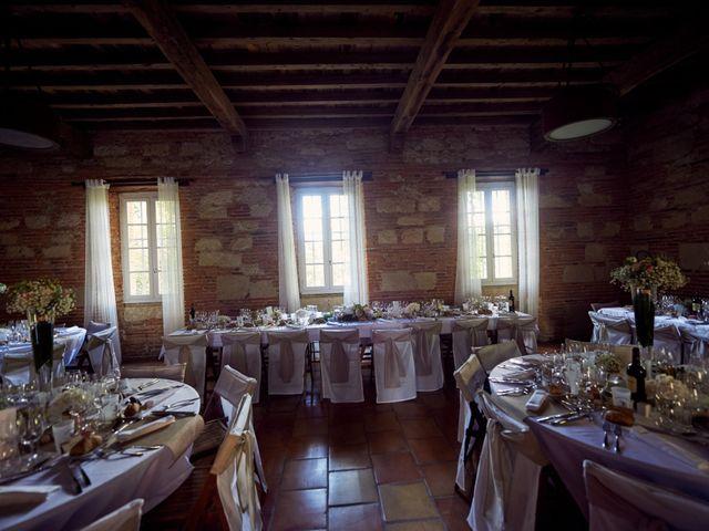 Le mariage de Etienne et Caroline à Pujaudran, Gers 17
