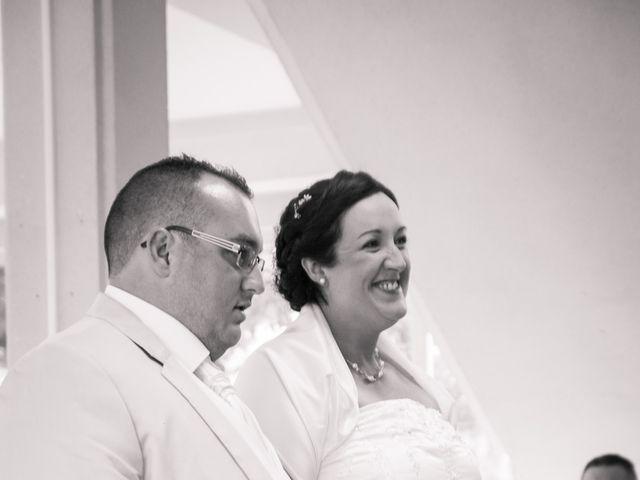 Le mariage de Bertrand et Rachel à Sainte-Sigolène, Haute-Loire 3