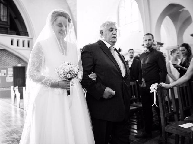 Le mariage de Amélie et Thomas  à Linselles, Nord 33