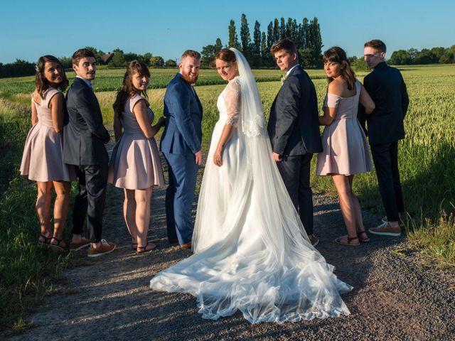 Le mariage de Amélie et Thomas  à Linselles, Nord 90