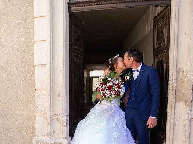 Le mariage de Jean Michel et Lucie à Tourbes, Hérault 16