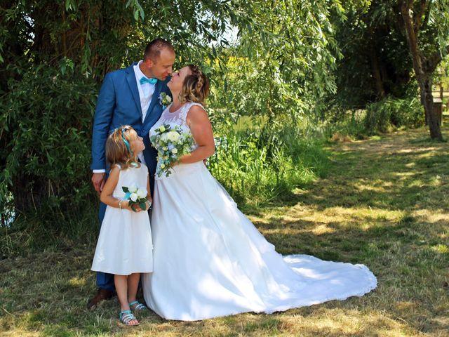 Le mariage de Frédéric et Caroline à Saint Martin la Pallu, Vienne 6