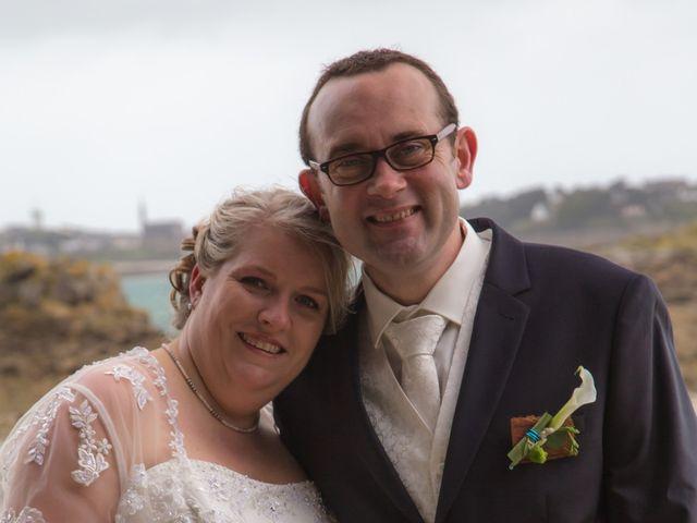 Le mariage de Cyril et Fanny à Roscoff, Finistère 8