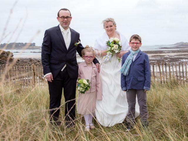 Le mariage de Cyril et Fanny à Roscoff, Finistère 10