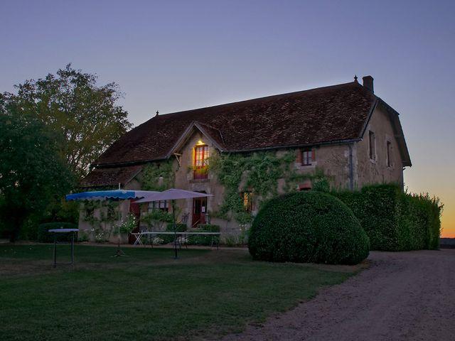 Le mariage de Adrien et Charlotte à Noyant-d'Allier, Allier 2