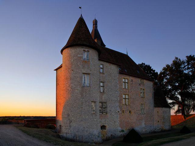 Le mariage de Adrien et Charlotte à Noyant-d'Allier, Allier 3