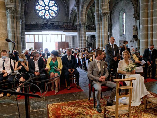 Le mariage de Adrien et Charlotte à Noyant-d'Allier, Allier 16